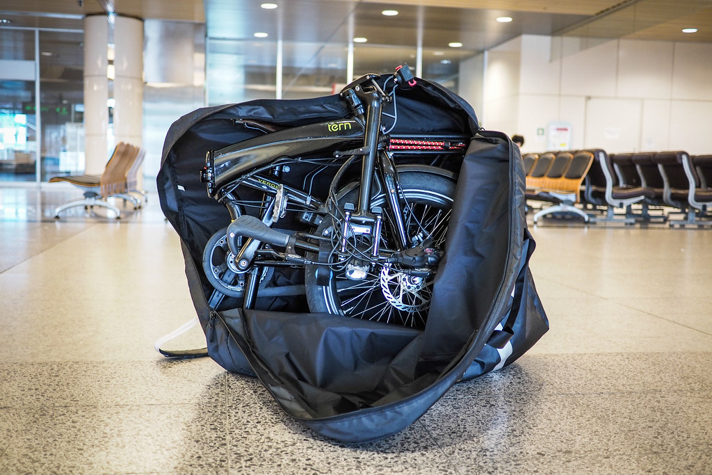 Folding a Tern Verge S27h touring bicycle for air travel (using the Stow Bag)