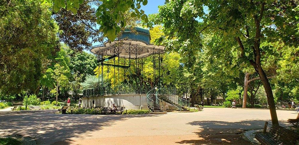 Jardim Guerra Junqueiro, a public park.