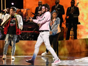 ATLANTA, GEORGIA - SEPTEMBER 05: Rapper Dee-1 performs onstage during 2019 Black Music Honors at Cobb Energy Performing Arts Centre on September 05, 2019 in Atlanta, Georgia. (Photo by Paras Griffin/Getty Images for Black Music Honors)