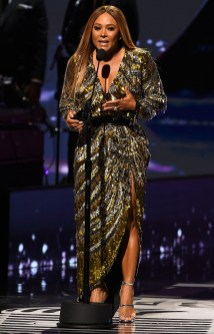 ATLANTA, GEORGIA - SEPTEMBER 05: Singer Tamia onstage during 2019 Black Music Honors at Cobb Energy Performing Arts Centre on September 05, 2019 in Atlanta, Georgia. (Photo by Paras Griffin/Getty Images for Black Music Honors)