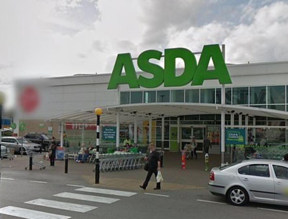 Asda's Christmas Savings Card helps you save and works well for those who leave it late