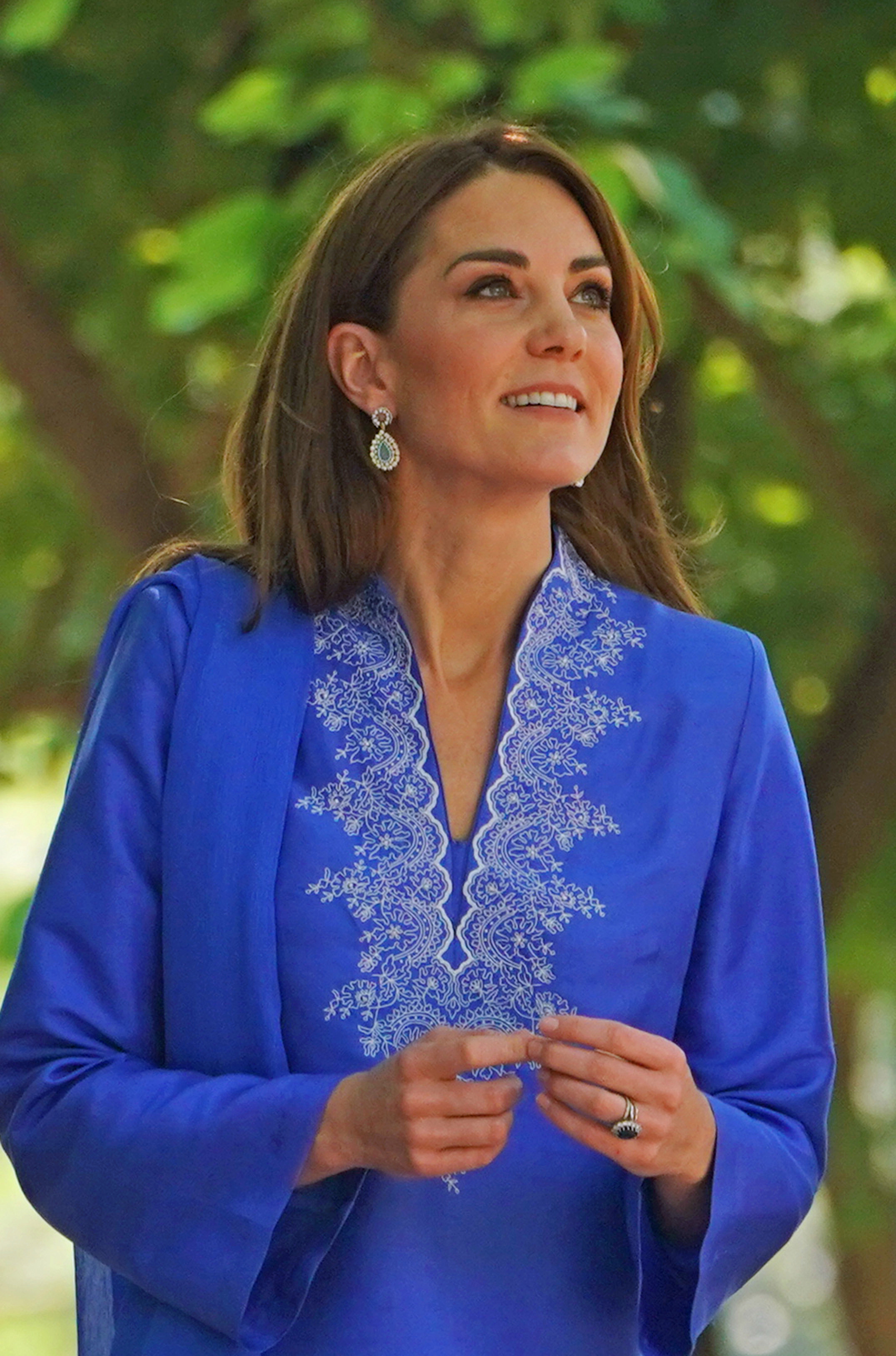 The Duchess of Cambridge showed off her earrings that she paired with her blue kurta