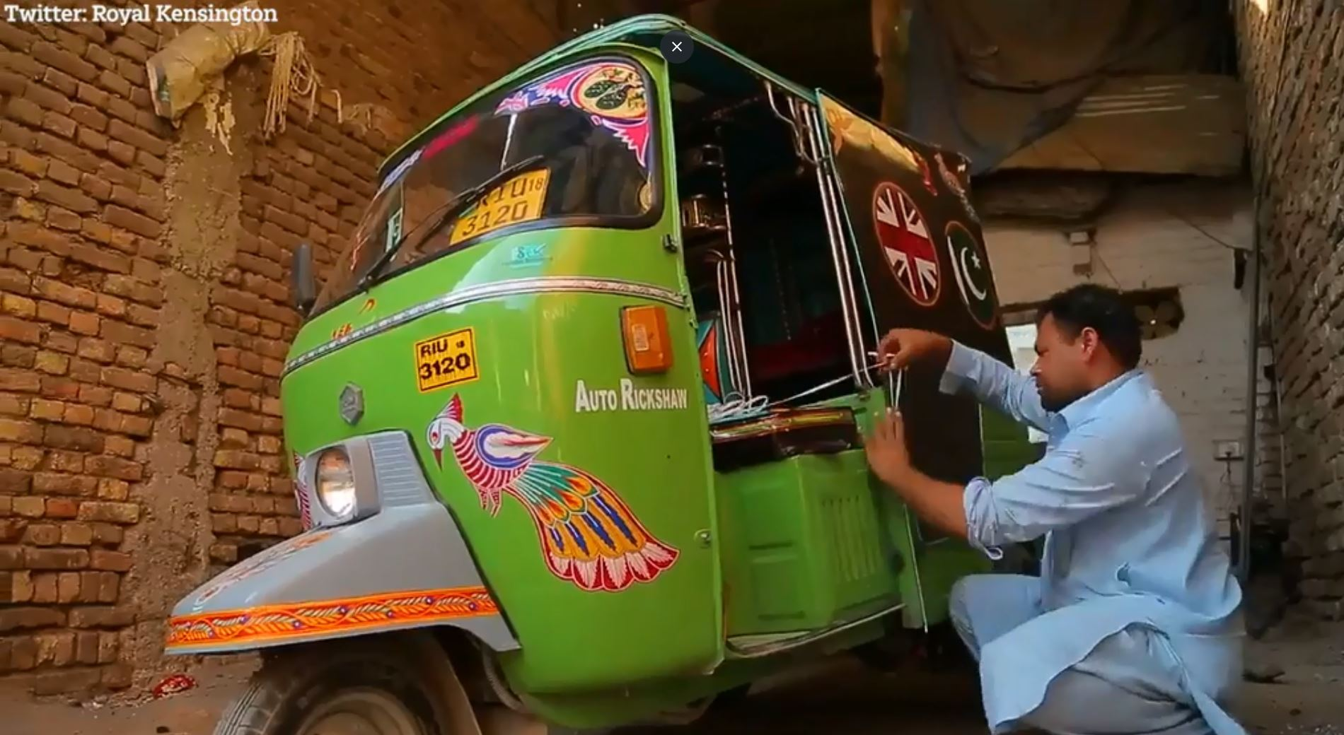 Pakistan's iconic rickshaws have been decorated with the Union Jack and Pakistani flag to celebrate the visit