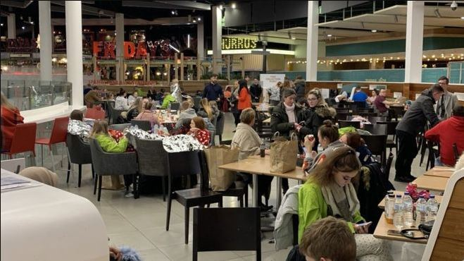 Families dined together while stuck in the shopping centre