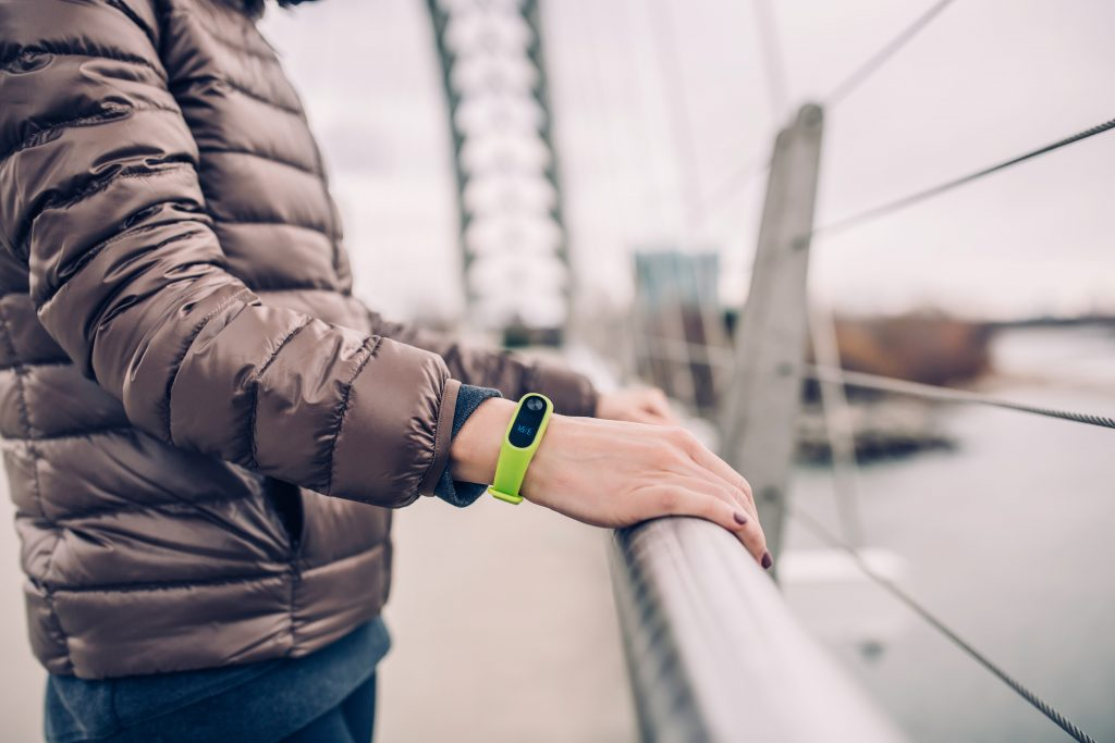 are smartwatches safe to wear outdoors