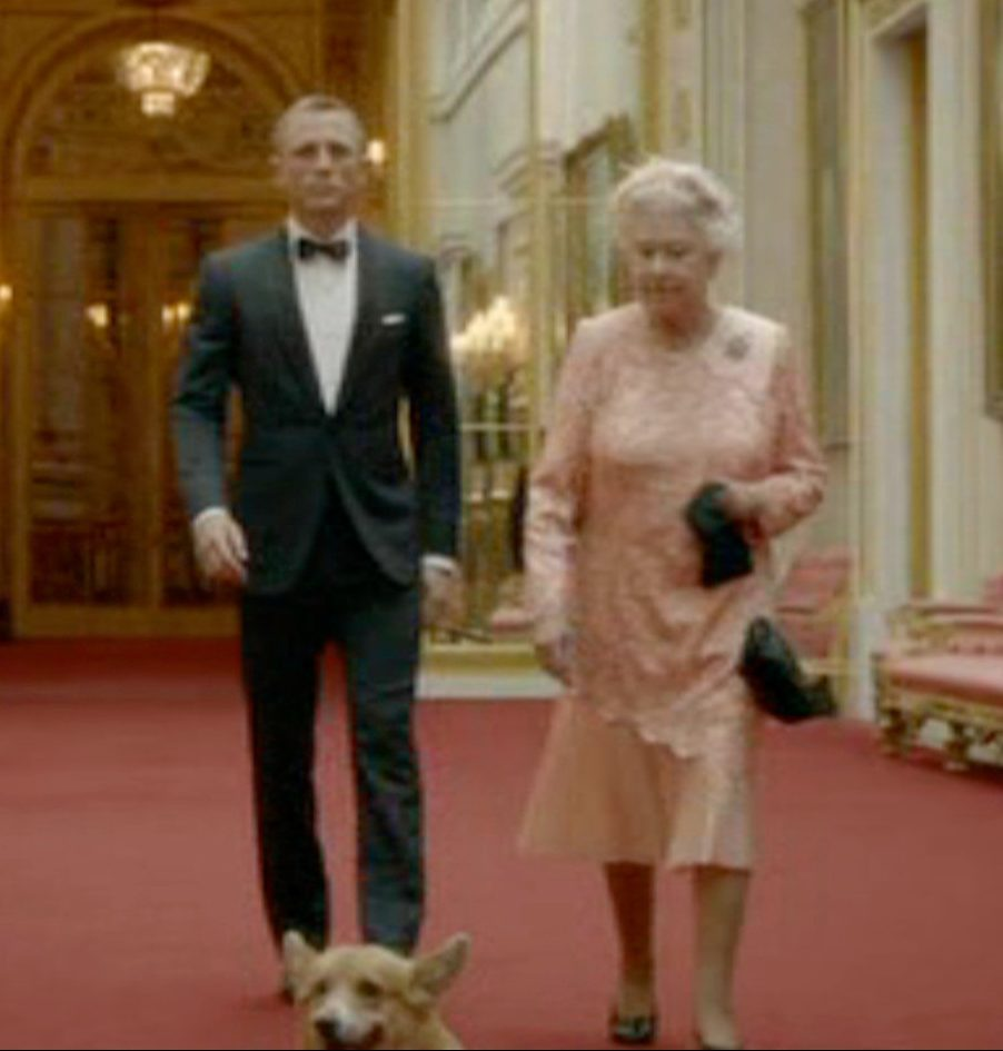 The Queen got into the spirit of the 2010 Olympics by meeting with James Bond