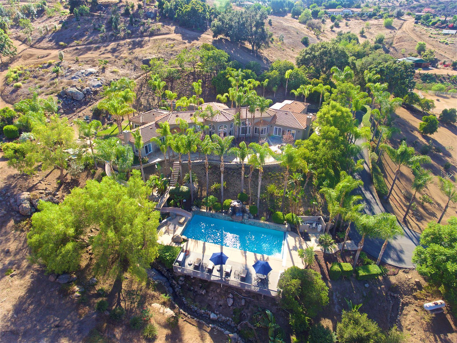 Spread across 20 acres the home boasts its own irrigated wine slopes
