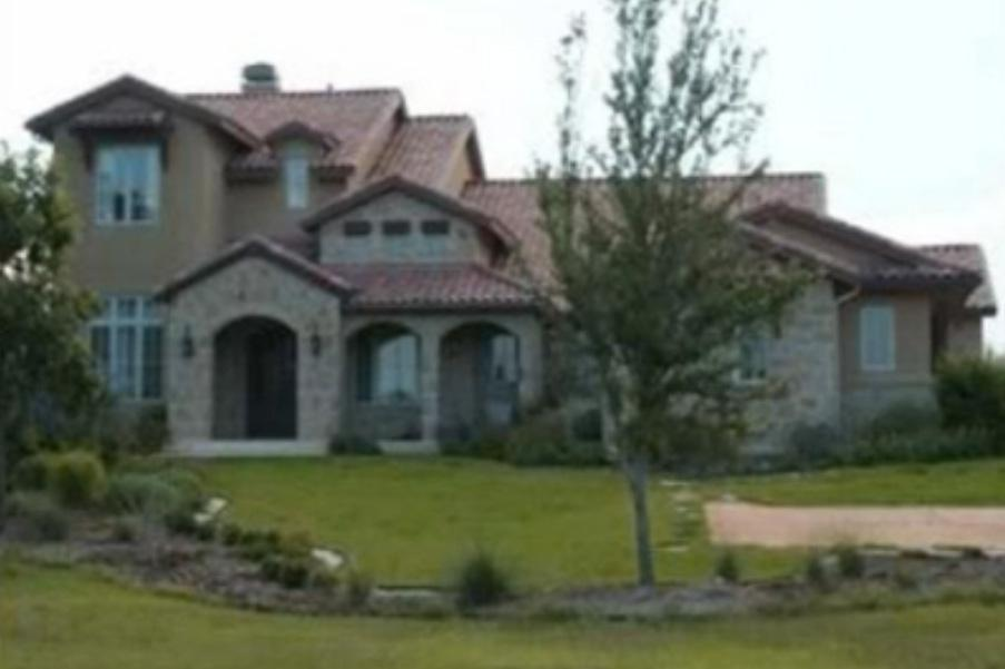The Undertaker lives in this huge Texas home
