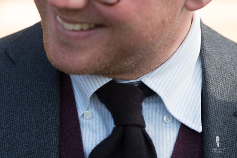 DOs or DONTs - depends on your style Many Men Leave their button down collar undone