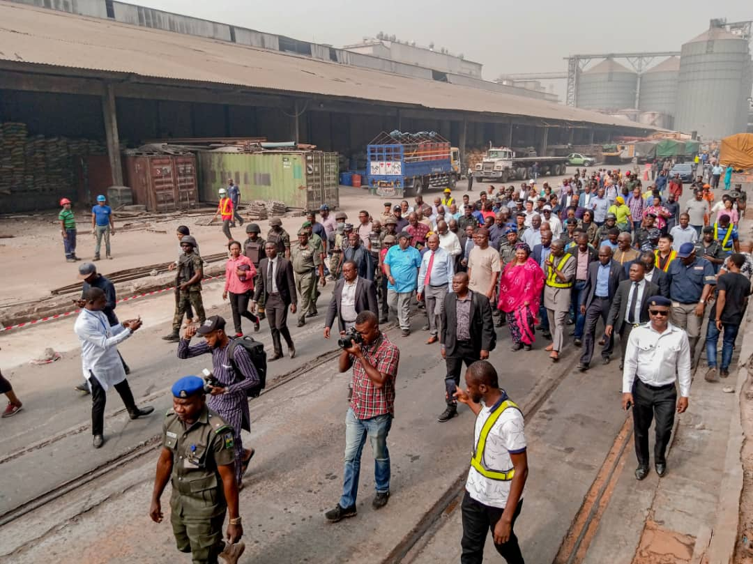 It's Difficult To Total Lagos-Ibadan Rail Task In April – Amaechi (Photos)