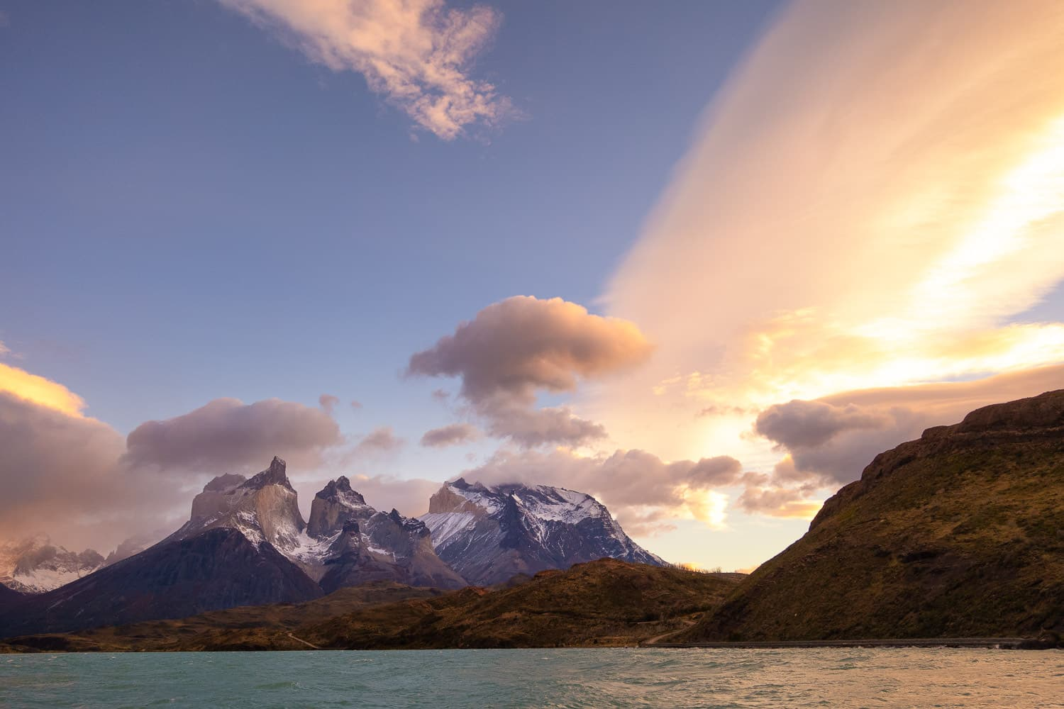 Sunset over Torres del Paine with Sony RX0 II