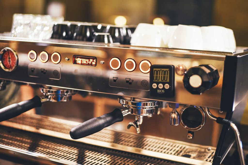 There are 6 important differences between commercial and home espresso machines.