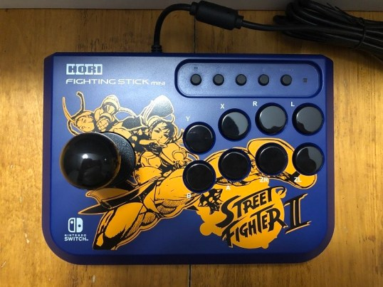 Fighting Stick Mini Street Fighter Edition Chun-Li and Cammy