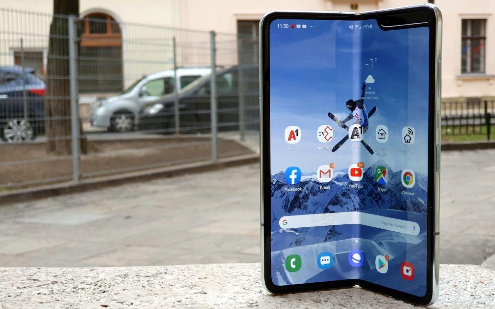 Samsung Galaxy Fold 5G test opened