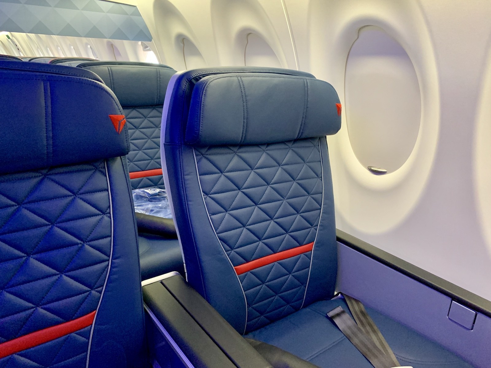 Delta A220 first class, photo courtesy of Darren Murph