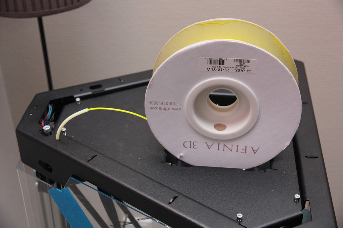 Tripodmaker with filament spool