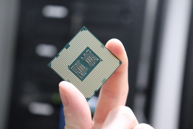 Intel Core i5 10600 K + Core i9 1090 K Linux Performance Benchmarks Review