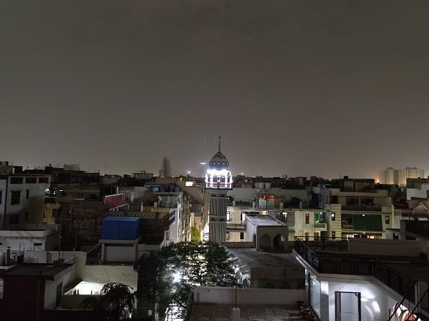 OnePlus 8 Pro camera sample: Low-light