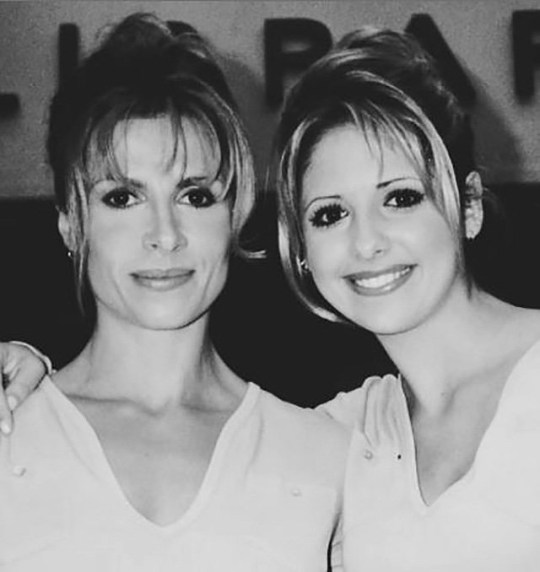 Sarah Michelle Gellar and stunt double Sophia Crawford