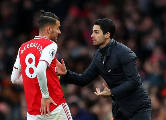 Ceballos chats with Arteta during Arsenal's clash with Everton