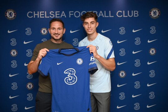 Frank Lampard poses with new Chelsea signing Kai Havertz