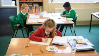 Pupils at Greenacres Primary Academy in Oldham, northern England on 18 June, 2020