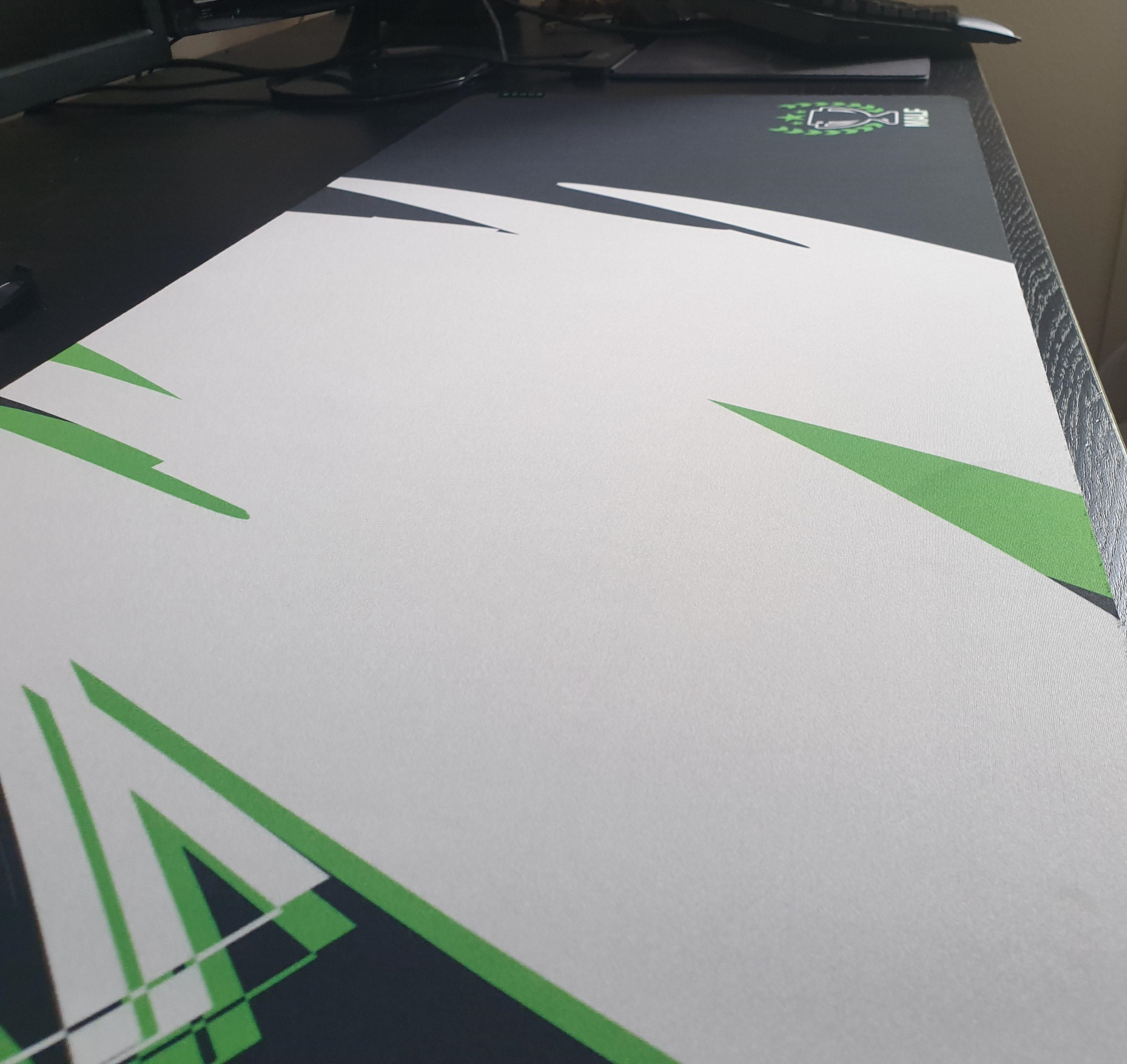 Razer Customs Review – Create Your Own Customized Razer Mouse Pad