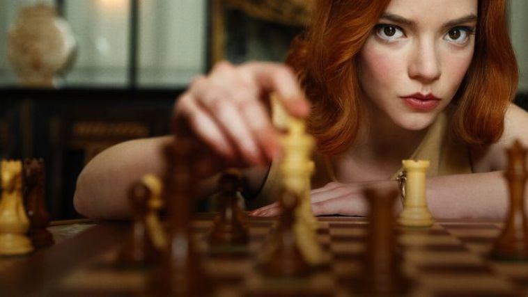 """Fakta Di Balik """"The Queen's Gambit"""", Mini Series Catur yang Beda Banget!"""