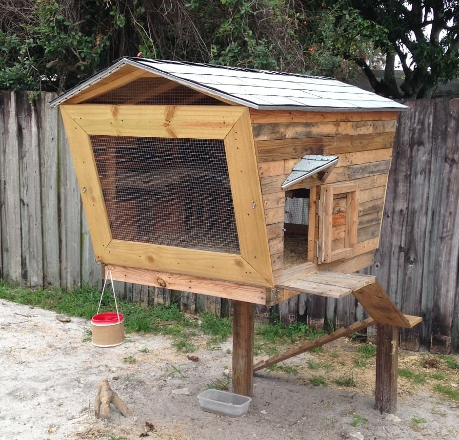 A chicken coop in the shape of a lollipop