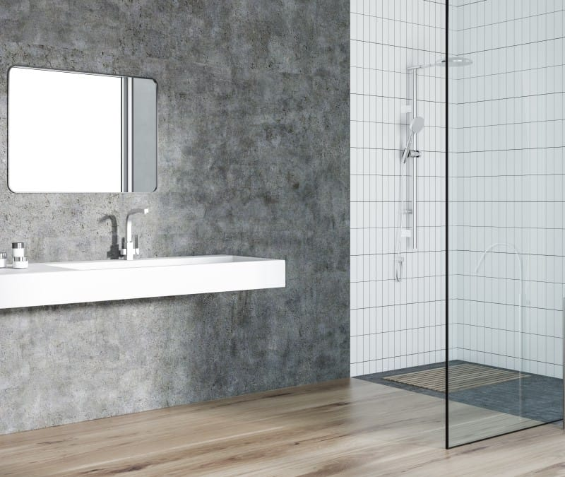 A minimalist shower without the curls
