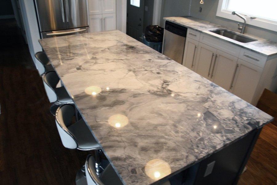 Arbeitsplatte aus grauem Granit