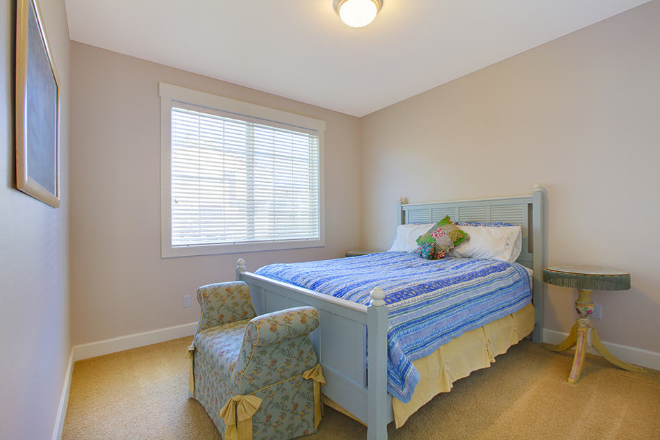 Bedroom in blue and beige