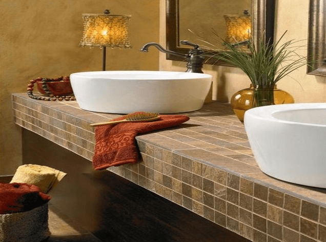 Ceramic tiles in the bathroom