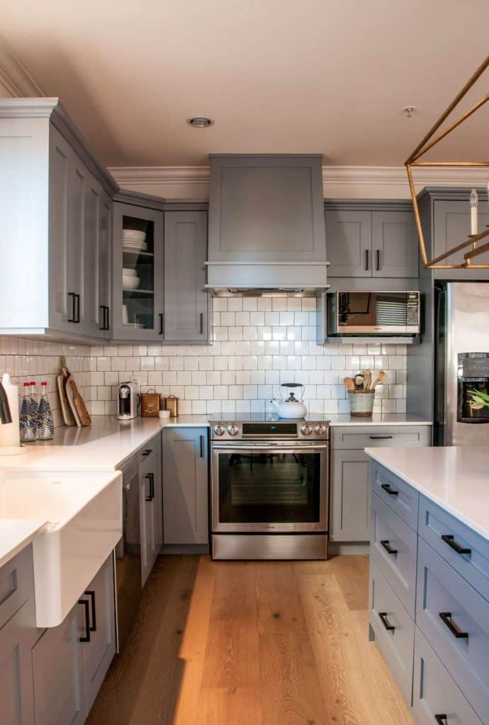 Classic Grey Kitchen (from Warlinepainting.ca)