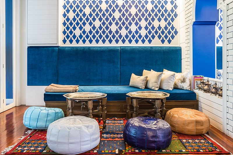 Decorate your living room in Moroccan style