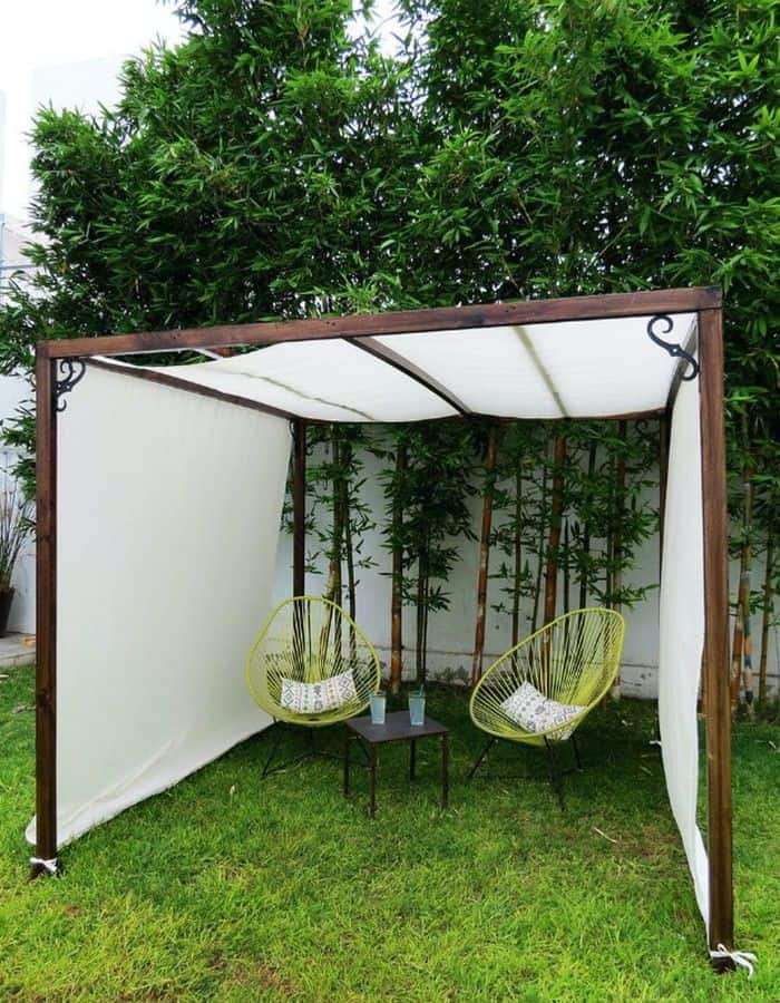 Do-it-yourself, shade of white tarpaulin (par. bobvila.com)