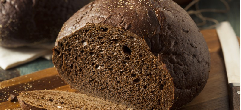 What Is Pumpernickel Bread? Benefits, Nutrition and More