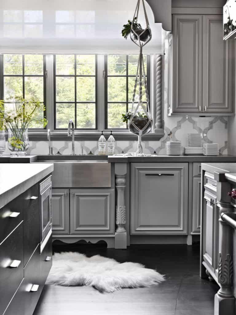 Glamour cloth Grey cabinets (from elledecor.com)