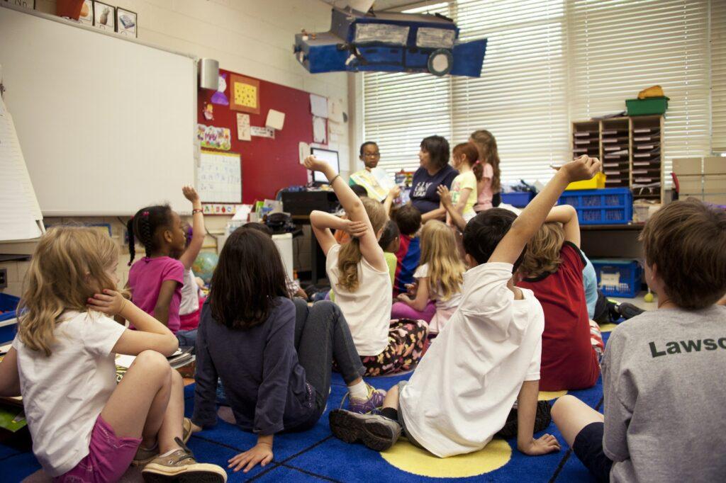 http://server.digimetriq.com/wp-content/uploads/2020/12/1608017351_570_How-to-Find-the-Best-International-Schools-for-your-Child.jpg
