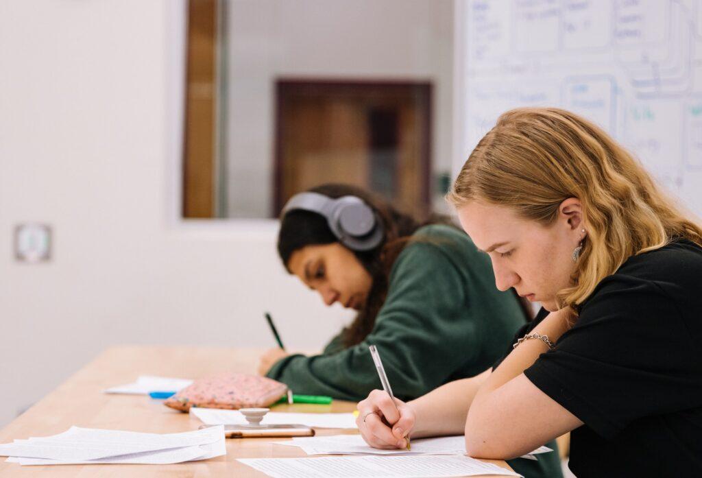 http://server.digimetriq.com/wp-content/uploads/2020/12/1608018432_284_Perfect-Survival-Guide-for-College-Students.jpg