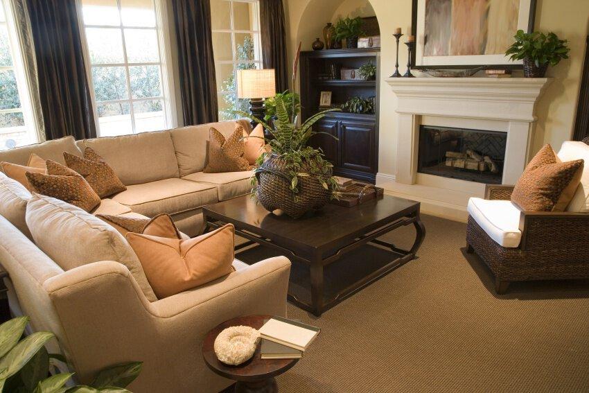 http://server.digimetriq.com/wp-content/uploads/2020/12/1608943590_418_Living-Room-vs.-Family-Room-What-Sets-Them-Apart.jpg