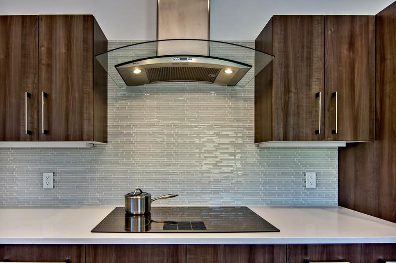 kitchen backsplash in ocean blue tiles