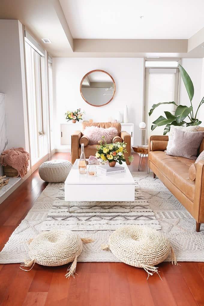 Luxury Classic Ivory Living room (on: justinecelina.com)