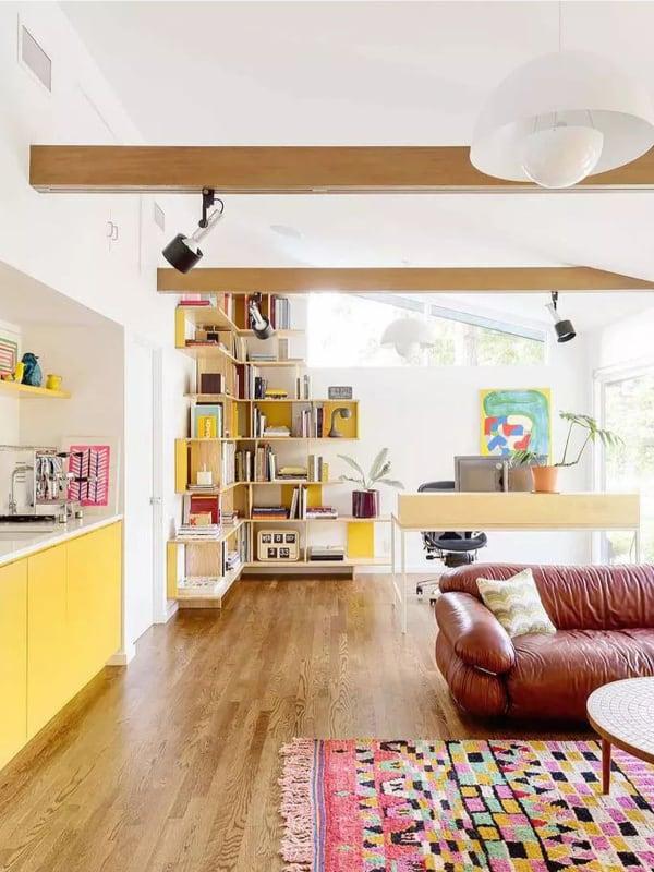 Mid-Century living room with sunset color (par. mydomain.com)