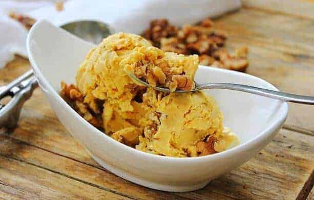 Pumpkin and walnut ice cream with lace fastening