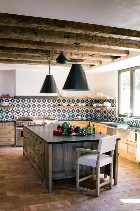 Rustic Spanish kitchen and dining room (on hurdandhoney.com)