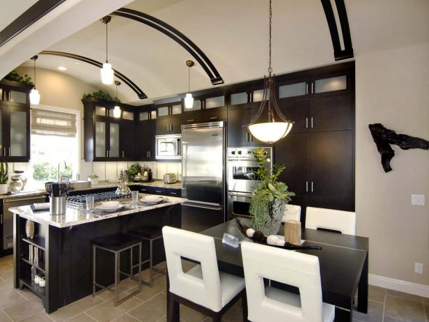 Vaulted ceiling kitchen design