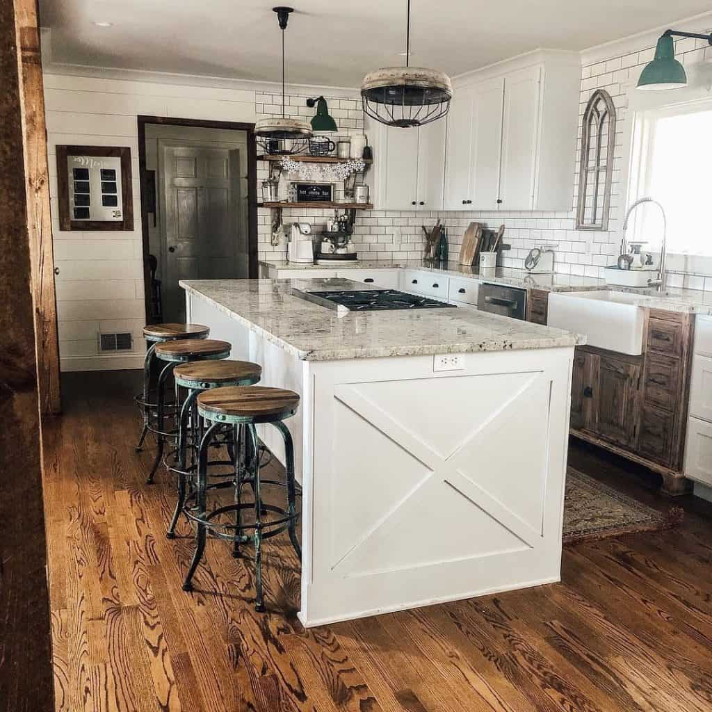 White country kitchen with island (section functional farmhouse)