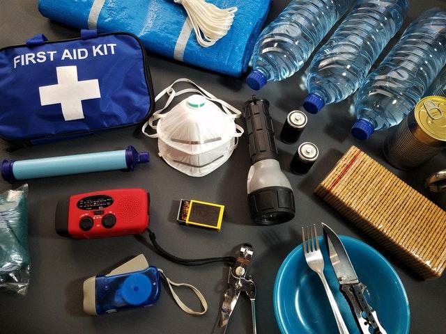 earthquake survival kit
