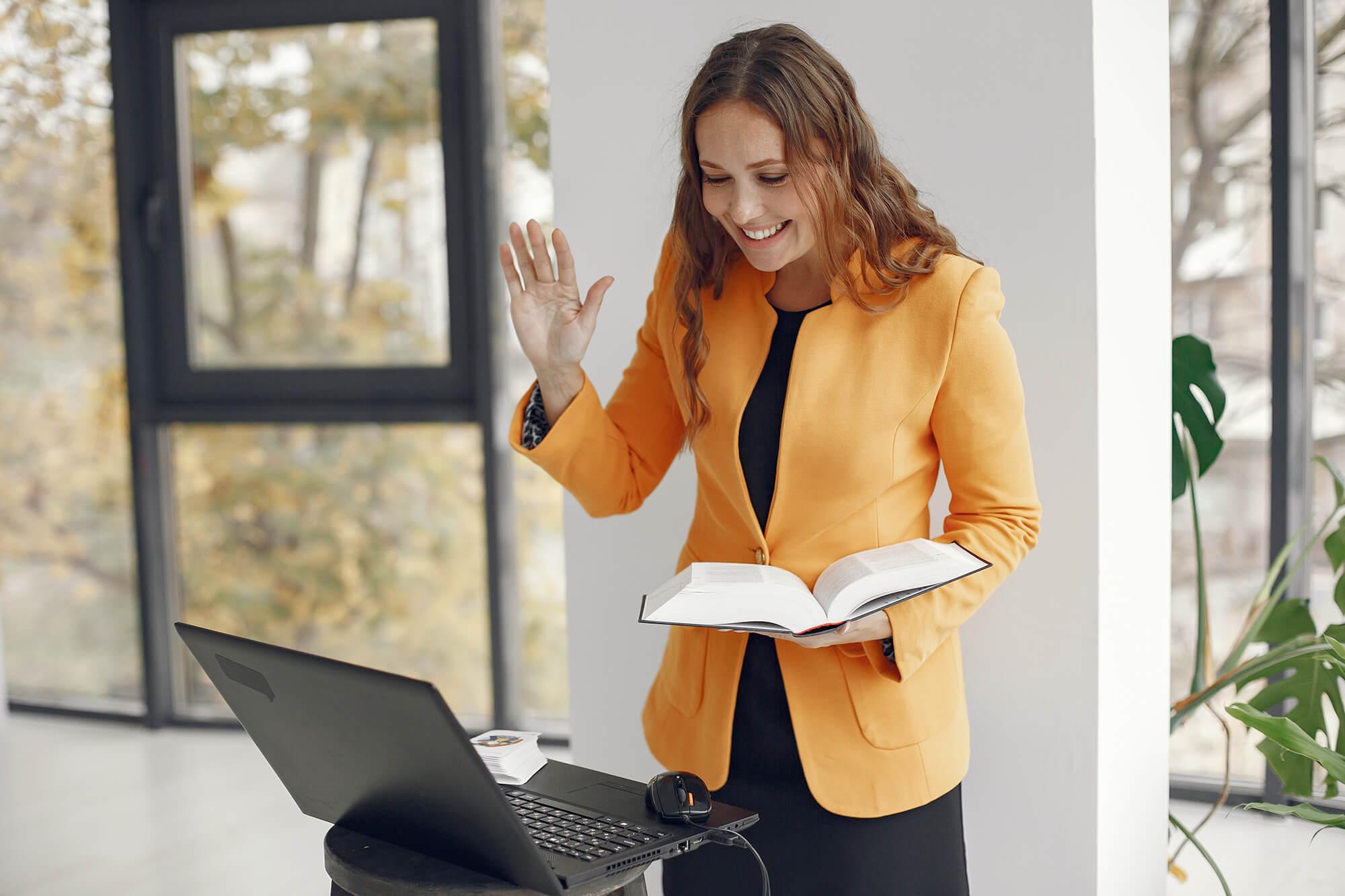 http://server.digimetriq.com/wp-content/uploads/2021/01/6-Best-Laptops-for-Teachers-in-2021-For-In-Class.jpg